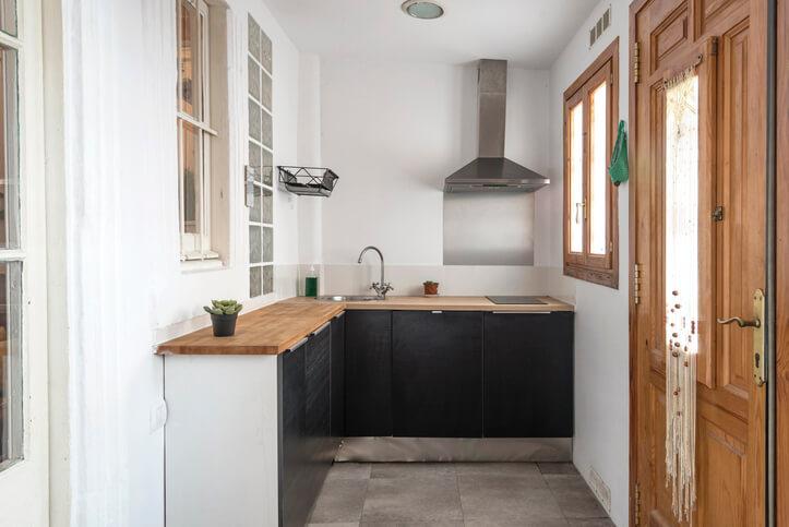 Example of partial kitchen backsplash